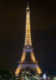 ο Άιφελ ελαφρύ Παρίσι εμφανίζει πύργο Στοκ Φωτογραφία