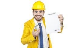 Ο άπληστος υπεύθυνος για την ανάπτυξη πωλεί το σπίτι Στοκ εικόνα με δικαίωμα ελεύθερης χρήσης