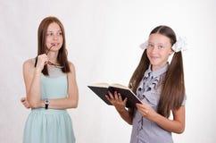 Ο δάσκαλος εξετάζει τον ενδεχόμενο σπουδαστή Στοκ Φωτογραφίες