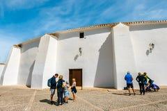 Ο άσπρος τοίχος Plaza de Toros στη Ronda, αρένα ταυρομαχίας στη Ronda είναι ένα από το παλαιότερο και διασημότερο bullfi Στοκ Φωτογραφία