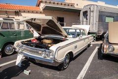 Ο άσπρος υδράργυρος Monterey του 1964 στο 32$ο ετήσιο κλασικό αυτοκίνητο αποθηκών της Νάπολης παρουσιάζει στοκ φωτογραφίες