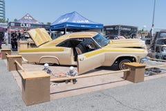 Ο έξοχος αθλητισμός Impala Chevrolet στην επίδειξη κατά τη διάρκεια του ΑΝΤΙΓΡΑΦΟΥ παρουσιάζει γύρο Στοκ φωτογραφία με δικαίωμα ελεύθερης χρήσης