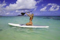 ο έφηβος paddleboard της Στοκ Εικόνες