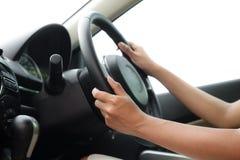 Οδήγηση ενός αυτοκινήτου Στοκ Εικόνες
