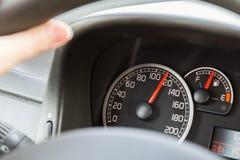 Οδήγηση πέρα από το όριο ταχύτητας στοκ εικόνες