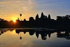 Ο ήλιος αυξάνεται πέρα από Angkor Wat, Καμπότζη Στοκ Εικόνες