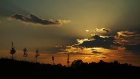 Ο ήλιος θέτει κόκκινος στοκ φωτογραφία