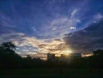 ο ήλιος λάμπει στοκ εικόνα με δικαίωμα ελεύθερης χρήσης