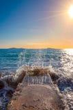Ο ήλιος λάμπει, ο καιρός είναι γλυκός! Σας κάνετε να θελήσετε να κινήσει τα χορεύοντας πόδια σας στοκ εικόνα