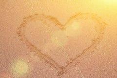 Ο ήλιος και η καρδιά από το Στοκ φωτογραφία με δικαίωμα ελεύθερης χρήσης