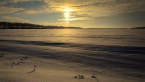 Ο ήλιος κατά τη διάρκεια του ηλιοβασιλέματος Στοκ Εικόνες