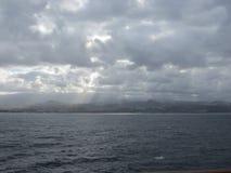 Ο ήλιος που ψάχνει ένα έδαφος Στοκ Εικόνες