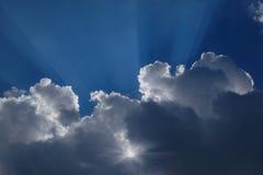 Ο ήλιος στα σύννεφα Στοκ φωτογραφίες με δικαίωμα ελεύθερης χρήσης