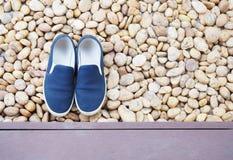 Ολίσθηση-στα παπούτσια στοκ φωτογραφίες