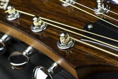 Ο ακουστικός λαιμός κιθάρων fingerboard φθείρει inlay περίπτωσης μουσικής σειρών το στενό μουσικό κιθαριστών μουσικής παιχνιδιού  στοκ φωτογραφία
