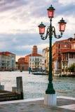 Ο λαμπτήρας στο μεγάλο κανάλι, Βενετία Στοκ φωτογραφία με δικαίωμα ελεύθερης χρήσης