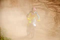 Ο αναβάτης στη σκόνη Στοκ Φωτογραφία