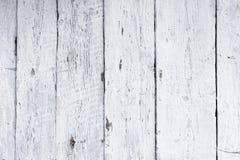 Ο αναδρομικός ξύλινος τοίχος ασπρίζει τον ασβέστη, σύγχρονο ύφος, ξεπερασμένο με ρωγμές ακατάστατο ξύλινο σκηνικό, εκλεκτής ποιότ στοκ εικόνες