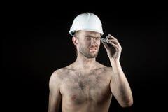 Ο ανθρακωρύχος παρουσιάζει ασημένιο ψήγμα Στοκ Φωτογραφία