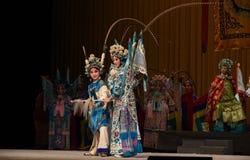 """Ο ανταγωνισμός πολεμικών τεχνών γίνεται οι στρατηγοί γυναικών του Πεκίνου Opera"""" εμπροσθοφυλακής Yang Family† Στοκ Εικόνες"""
