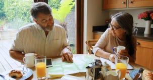 Ο ανώτερος υπολογισμός ζευγών τιμολογεί στο σπίτι 4k φιλμ μικρού μήκους