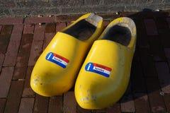 ολλανδικά ξύλινα clogs στοκ εικόνα