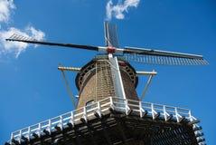 Ολλανδική προοπτική βατράχων ανεμόμυλων Στοκ εικόνες με δικαίωμα ελεύθερης χρήσης