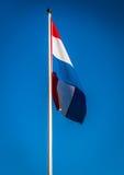 Ολλανδική σημαία που κυματίζει στον αέρα, Κάτω Χώρες Στοκ εικόνα με δικαίωμα ελεύθερης χρήσης