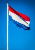 Ολλανδική σημαία που κυματίζει στον αέρα, Κάτω Χώρες Στοκ εικόνες με δικαίωμα ελεύθερης χρήσης