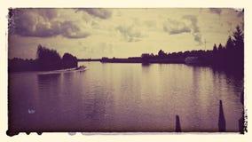 ολλανδική όχθη ποταμού Στοκ φωτογραφία με δικαίωμα ελεύθερης χρήσης