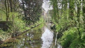 Ολλανδικό κανάλι στο πάρκο φιλμ μικρού μήκους