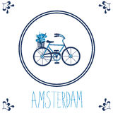 Ολλανδικό μπλε κεραμίδι με το ποδήλατο Στοκ φωτογραφία με δικαίωμα ελεύθερης χρήσης