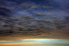 Ο απίστευτος ουρανός πριν από τον τυφώνα έρχεται στοκ φωτογραφίες με δικαίωμα ελεύθερης χρήσης
