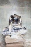 Ο αποκεφαμένος Βούδας στη βιβλιοθήκη Angkor Wat Στοκ Φωτογραφία