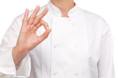 Ο αρχιμάγειρας που κάνει το χέρι να υπογράψει όλους είναι καλά Στοκ φωτογραφία με δικαίωμα ελεύθερης χρήσης