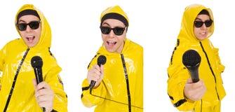 Ο αστείος εκτελεστής με mic που απομονώνεται στο λευκό Στοκ Εικόνες