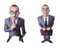 Ο αστείος επιχειρηματίας nerd που απομονώνεται στο λευκό Στοκ φωτογραφία με δικαίωμα ελεύθερης χρήσης