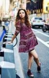 Ο αστικός τουρίστας τακτοποιεί κατά περιόδους τη Νέα Υόρκη, ΗΠΑ στοκ φωτογραφίες
