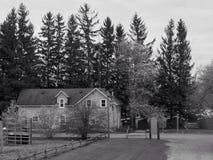 1807 1885 19$ο αυθεντικό κτηρίων αιώνα πόλεων κολπίσκου τοποθετημένο Μισσούρι σπιτιών αγροτικής ιστορίας ημερομηνίας hodge χωριό  Στοκ Εικόνα