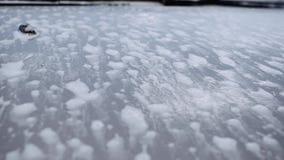 Ο αφρός μειώνει ένα παράθυρο αυτοκινήτων φιλμ μικρού μήκους