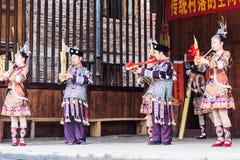 Ο λαϊκός μουσικός στον πολιτισμό παρουσιάζει στο χωριό Chengyang στοκ εικόνες