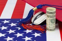 Ο βαθμός πληροφορικής τριτοβάθμιας εκπαίδευσης μπορεί να πληρώσει μακριά στοκ φωτογραφίες