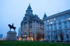 Ο βασιλιάς Edward VII μνημείο και το κτήριο συκωτιού, Λίβερπουλ Στοκ Φωτογραφίες