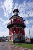 Ο βικτοριανός πύργος ρολογιών γοτθικός-ύφους είναι ένα εικονίδιο της παλαιάς ΚΑΠ Στοκ εικόνα με δικαίωμα ελεύθερης χρήσης