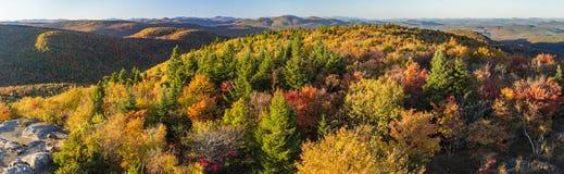 Ο Βορράς άποψης φθινοπώρου από το βουνό Hadley Στοκ Εικόνες