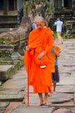 Ο βουδιστικός μοναχός στο ναό Angkor Wat, παγκόσμια κληρονομιά της ΟΥΝΕΣΚΟ, Siem συγκεντρώνει την επαρχία, Καμπότζη 3 Σεπτεμβρίου Στοκ Φωτογραφίες