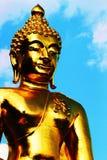 ο Βούδας το χρυσό άγαλμα nav Στοκ Φωτογραφίες