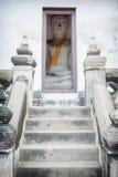 Ο Βούδας κάθεται ένα μικρό δωμάτιο. Ταϊλάνδη, Ayutthaya Στοκ φωτογραφίες με δικαίωμα ελεύθερης χρήσης