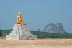 Ο Βούδας κάθεται το άγαλμα Στοκ φωτογραφία με δικαίωμα ελεύθερης χρήσης
