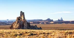 Ο βράχος εκκλησιών είμαι ένας στυλοβάτης στη κομητεία Ναβάχο, κοντά σε Kayenta, Αριζόνα, Ηνωμένες Πολιτείες Ο βράχος εκκλησιών βρ Στοκ Εικόνες